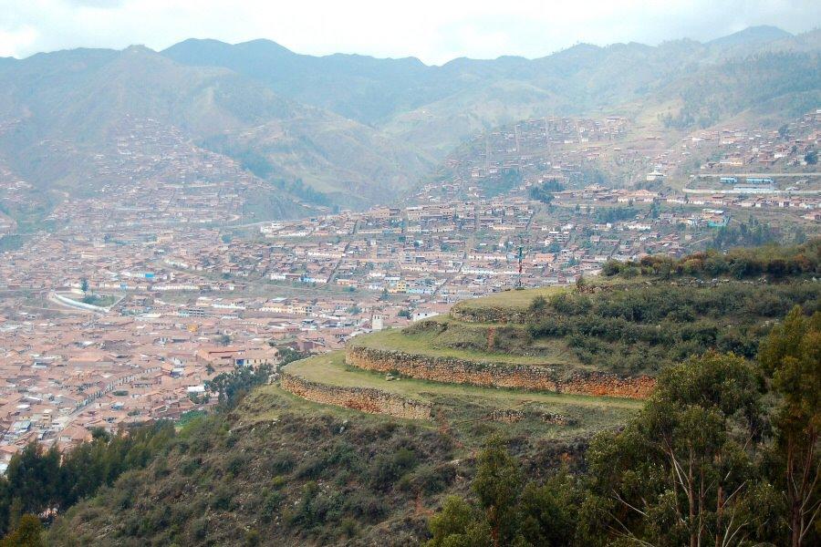 Sacsayhuaman Cuzco Peru - ExplorationVacation 2005-12-29_09_37_20%20Inka%20terraces