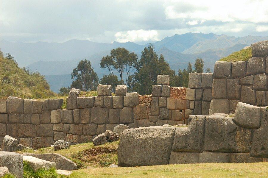 Sacsayhuaman Cuzco Peru - ExplorationVacation 2005-12-29_11_11_20_0