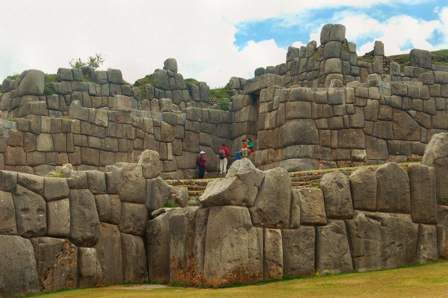 Sacsayhuaman Cuzco Peru - ExplorationVacation 2005-12-29_11_11_56
