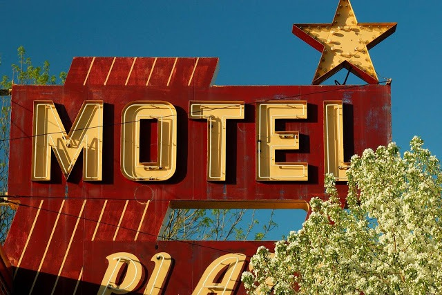 motel sign in East Grand Forks Minnesota