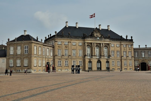 Amalienborg Slot is a royal palace complex in the heart of Copenhagen, Denmark - ExplorationVacation.net 20-DSC_2382