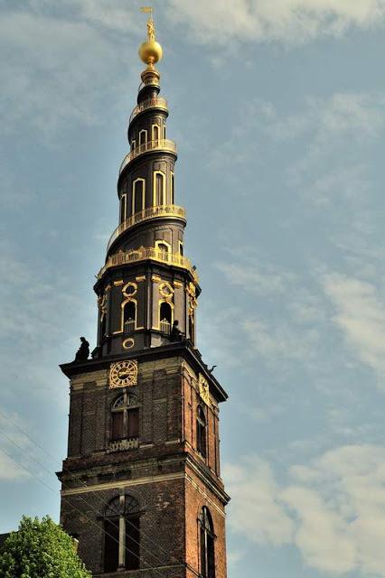 Towering steeple on Vor Frelsers Kirke (Our Savior's Church) in Copenhagen, Denmark - ExplorationVacation.net DSC_2034