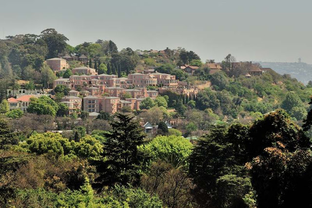 An upscale neighborhood in Johannesburg, South Africa - ExplorationVacation.net