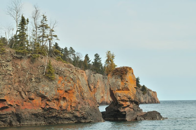 arch and shovel point