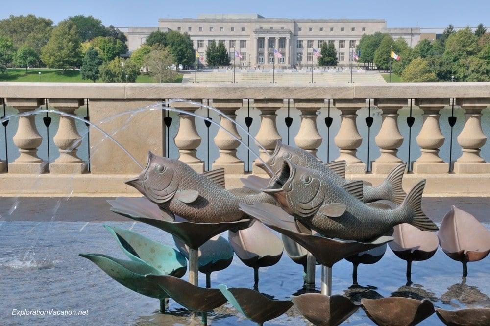 fountain and Veteran's Memorial