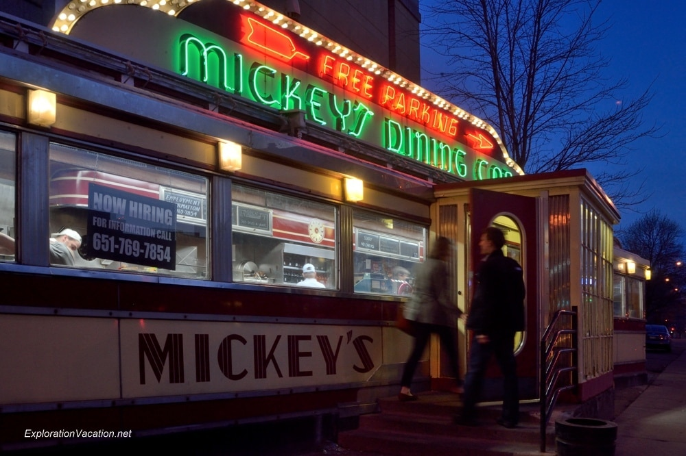 Mickey's Dinning Car in St Paul Minnesota 20140420-DSC_6477