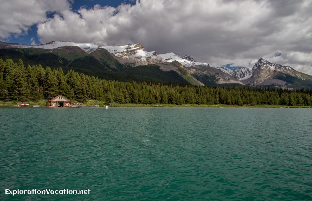 Lake Maligne in Jasper NP, Canada - ExplorationVacation.net