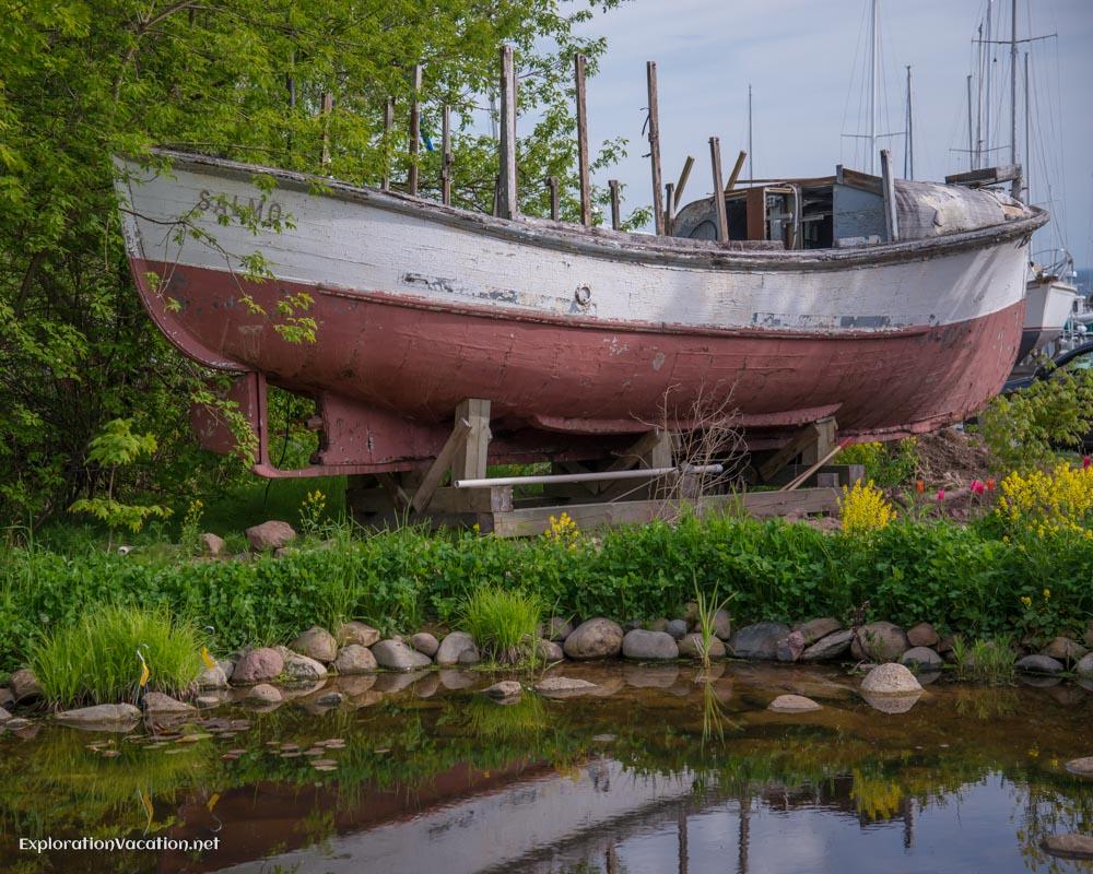 Marina gardens Bayfield Wisconsion - ExplorationVacation.net