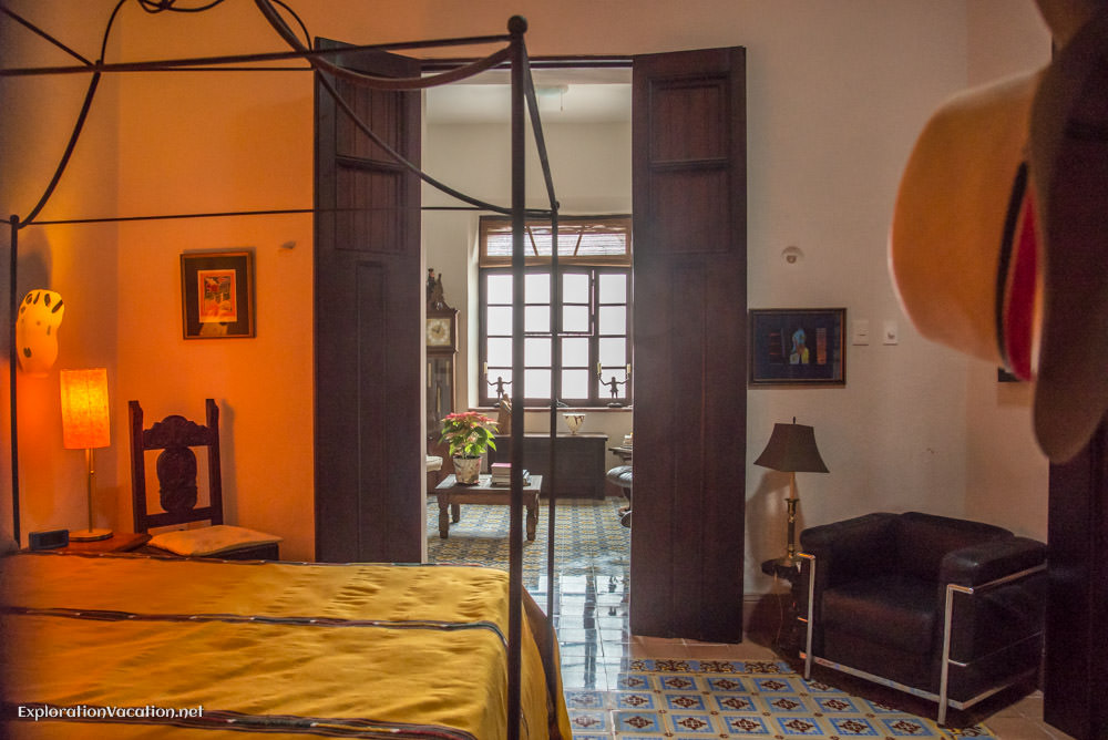 guest bedroom house tour in Merida