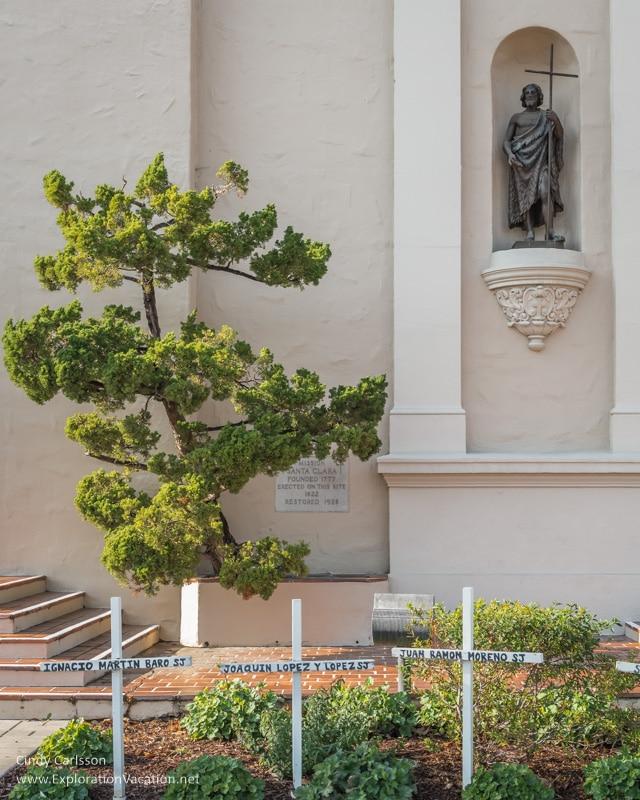 exterior with tree Mission Santa Clara de Asís