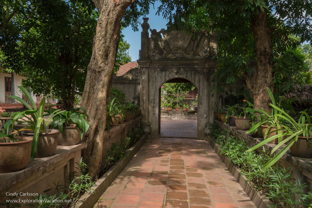entrance gate Mia Pagoda Duong Lam village Vietnam - www.ExplorationVacation.net