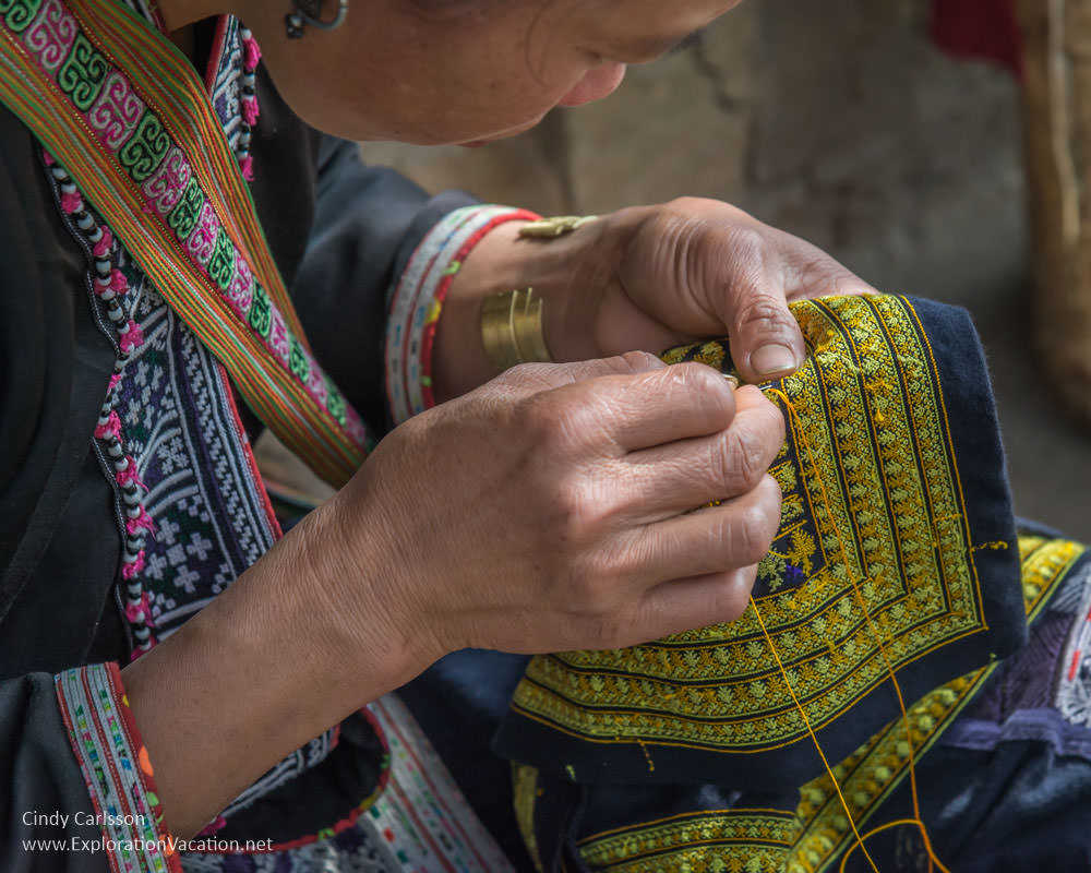 road trip Red Dao needlework Sapa - ExplorationVacation