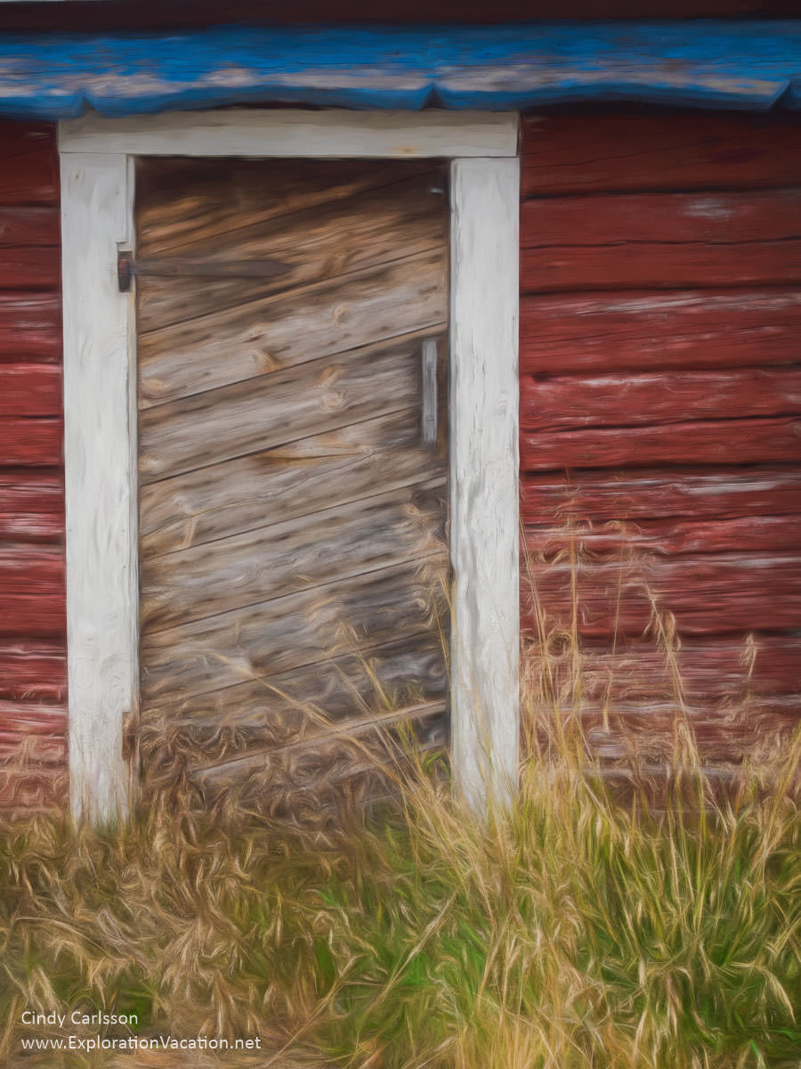 Summer door painting in Finland's Åland Islands - ExplorationVacation #Finland #visitåland #discoverfinland #summervacation #alandislands