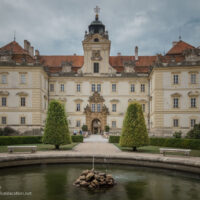 fountain and Baroque castle