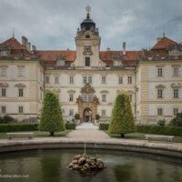 fountain and Baroque castle